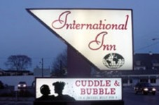 Cuddles And Bubbles In Hyannis Has Alcohol License Suspended