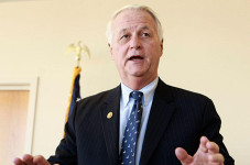 Delahunt Sues Government Over Medical Marijuana Permits
