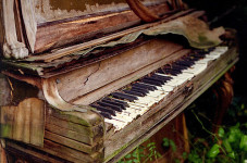 Sandwich Committees Hashing, Re-Hashing Issue Of... Wait For It... An Old Piano